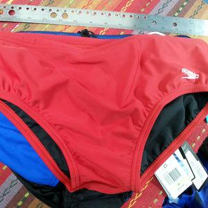 Speedo Men's Red Swimsuit Bikini - US38 NEW 3289